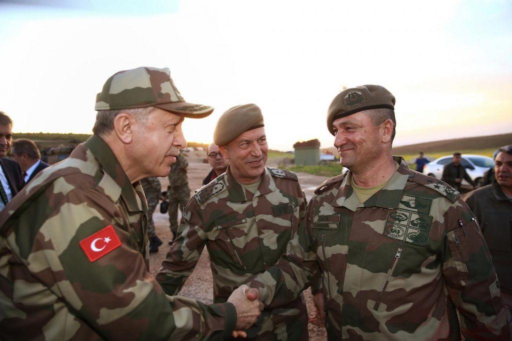 टर्कीमा सैनिक बर्खास्तको क्रम जारी