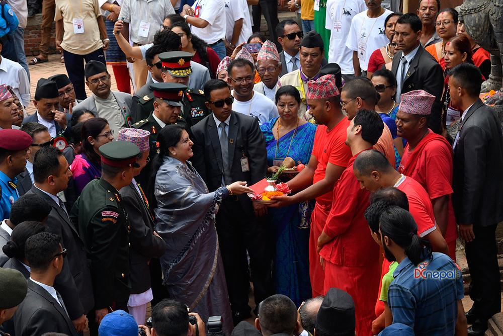 राष्ट्रपति विद्यादेवी भण्डारीद्वारा कृष्णमन्दिरमा पूजा आरधना (फोटोफिचर)