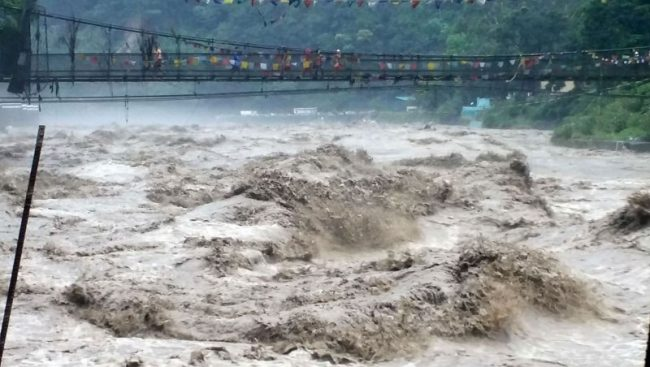 महाकाली नदीमा जलस्तर खतराको विन्दु पार गर्यो