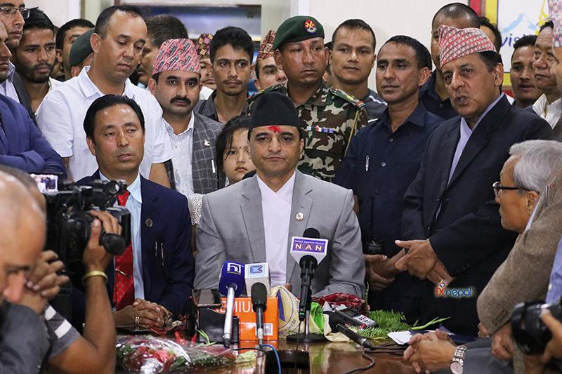 लुम्बिनी र गौतमबुद्ध विमानस्थल सरकारको प्राथमिकतामा : योगेश भट्टराई