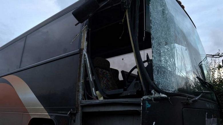 पाकिस्तानमा यात्रु बोकेको बस नदीमा खस्दा २४ को मृत्यु