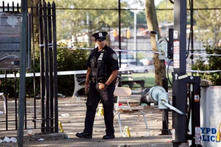 न्यूयोर्कमा गोली चल्यो, एकको मृत्यु दर्जन घाइते