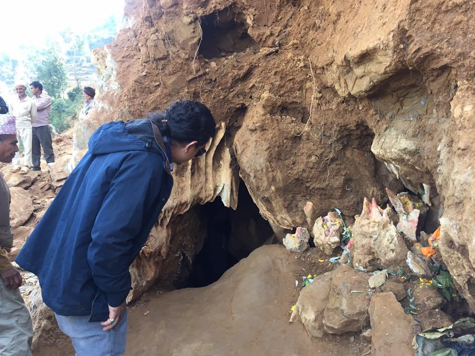 संरक्षणको पर्खाइमा देउराली गुफा