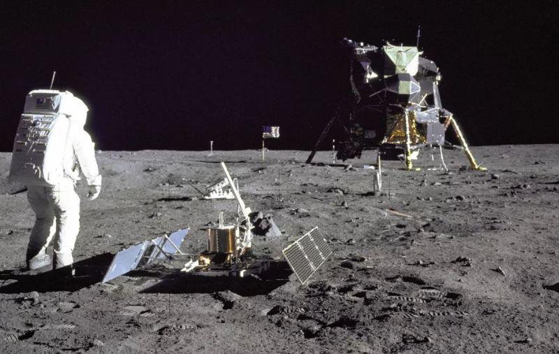 चन्द्रमामा पुगेको कुरा किन पत्याउँदैनन् मानिसहरू ?