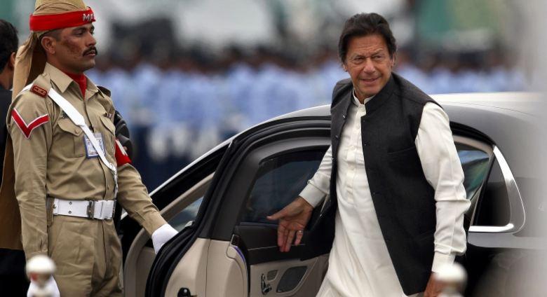 प्रधानमन्त्री खान पाकिस्तानी काश्मिर भ्रमणमा