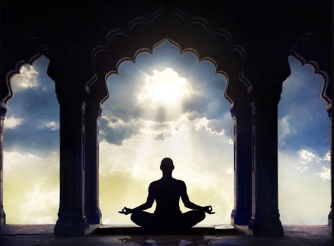 अज्ञानी मानिस भगवानलाई बाहिर खोज्छन्, जबकि परमात्माको वास हाम्रो मनमा हुन्छ