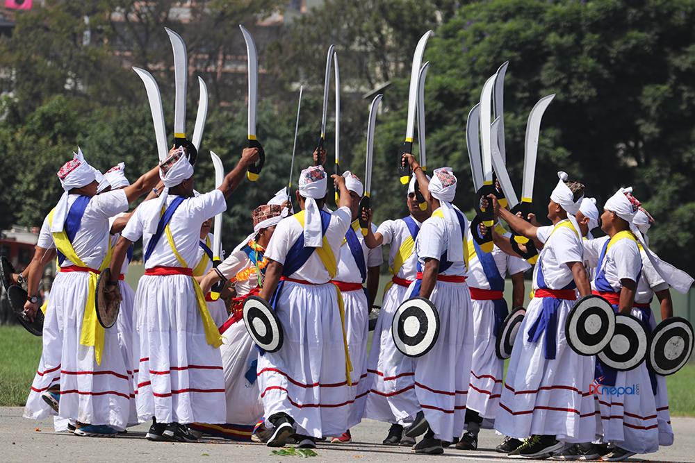 ३१ तस्वीरमा हेर्नुहोस् टुँडिखेलमा मनाइएको संविधान दिवस