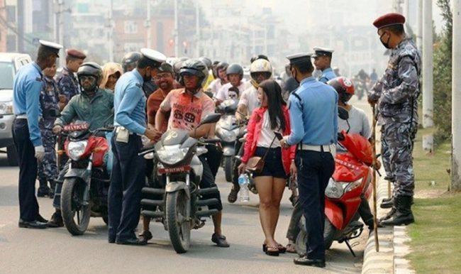 ट्राफिक प्रहरी महाशाखाद्वारा चोरी भएका मोटरसाईकल फिर्ता
