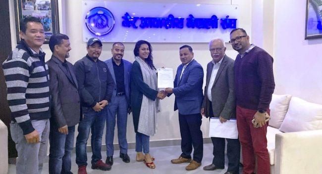 एनआरएनए र मिस नेपाल अनुष्का श्रेष्ठबीच ७ बुँदे समझदारी