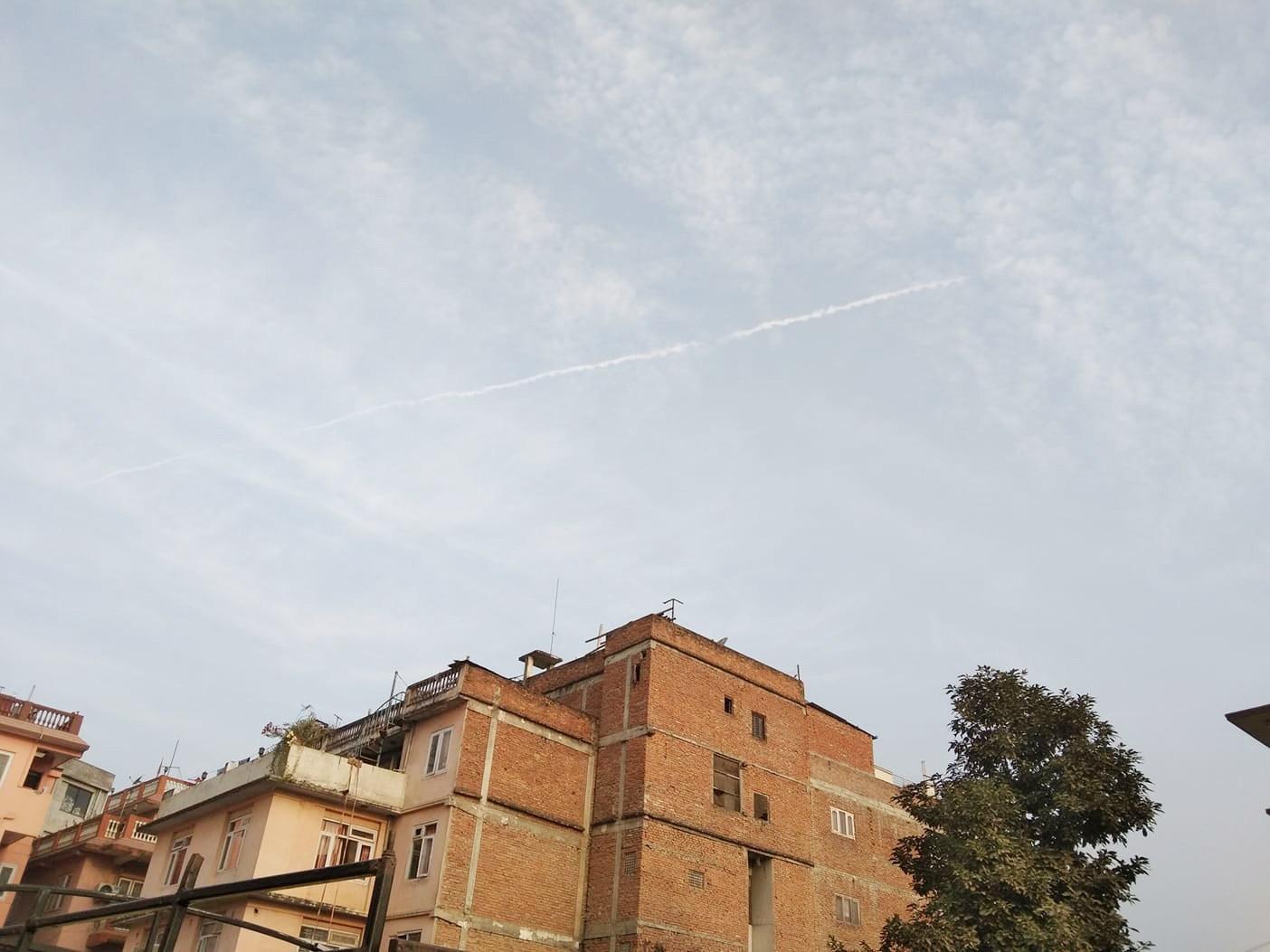 काठमाडौंको आकाशमा अनौठो विमान