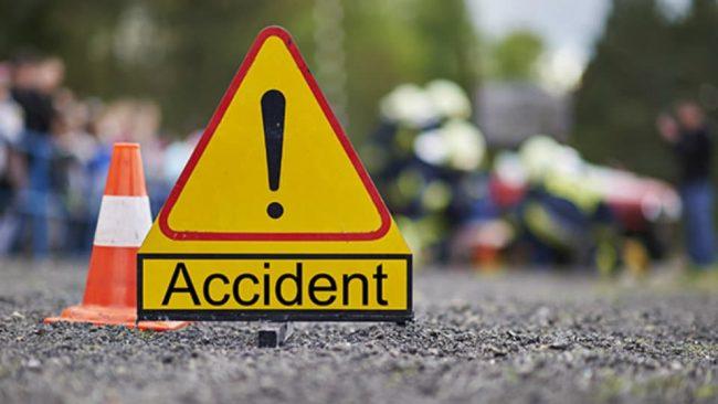 सुत्केरीलाई अस्पतालबाट घर ल्याउँदै गरेको गाडी दुर्घटना, एक जनाको मृत्यु