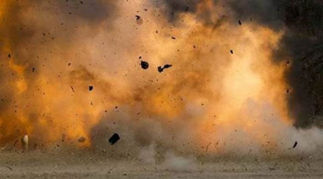 मारुती सिमेन्टको स्काभेटरमा बम विस्फोट