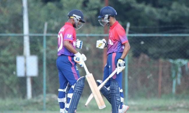 भारत यल्लो विरुद्ध पहिले ब्याटिङ गर्दै नेपाल, १२ औं ओभरमा ५० रन पूरा