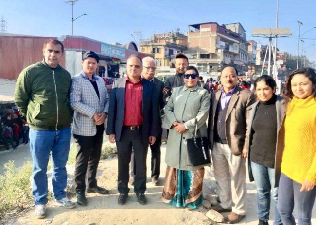 काठमाडौँका व्यस्त चोकहरूमा एनआरएनएले सार्वजनिक शौचालय बनाइदिने