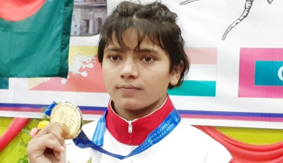 सङ्घर्षको तीन वर्षमै स्वर्ण पदक