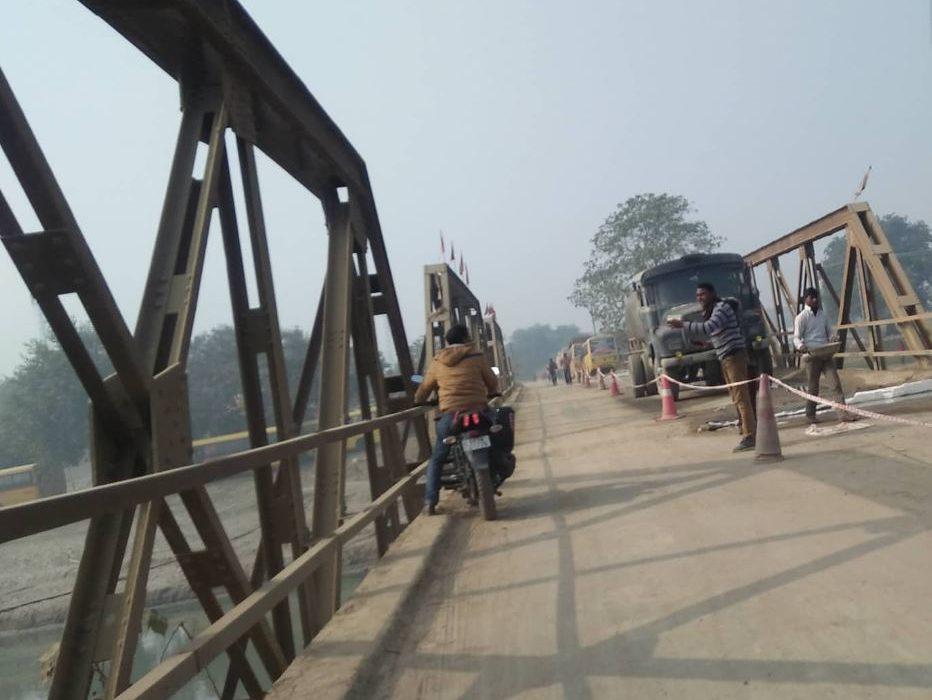 मीरगञ्ज पुल बन्द, भीमनगरको बाटो प्रयोग गर्न व्यपारीको माग