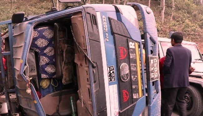 धादिङ दुर्घटना : मापसे गरी गाडी हाक्दा सात जनाको ज्यान गयो