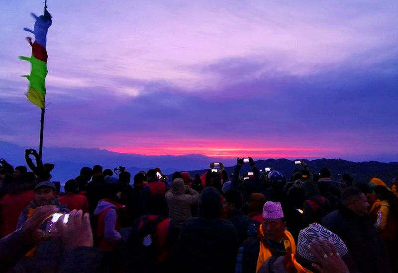 सूर्योदय र सूर्यास्त हेर्ने बतासे डाँडामा नगरकोट महोत्सव