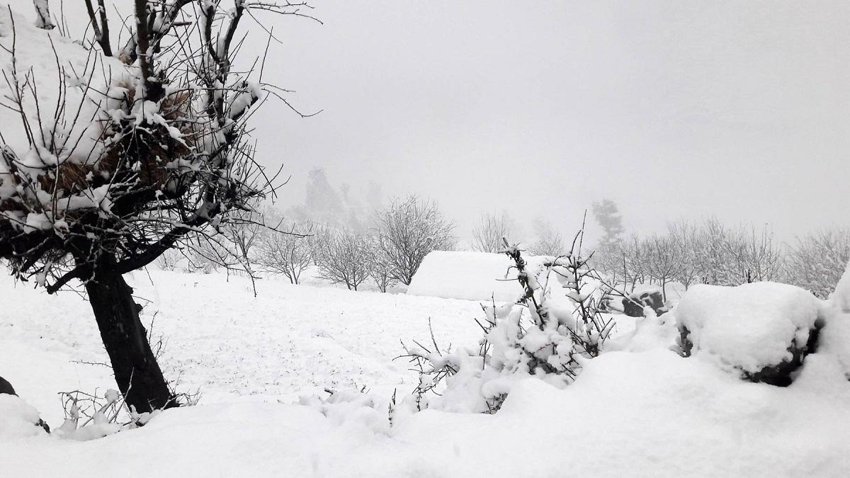 मुस्ताङमा भारी हिमपात, यातायात र सञ्चार सेवा अवरुद्ध