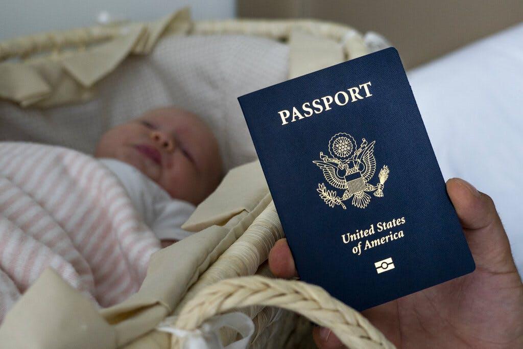 गर्भवती महिलालाई अमेरिका प्रवेशमा कडाइ