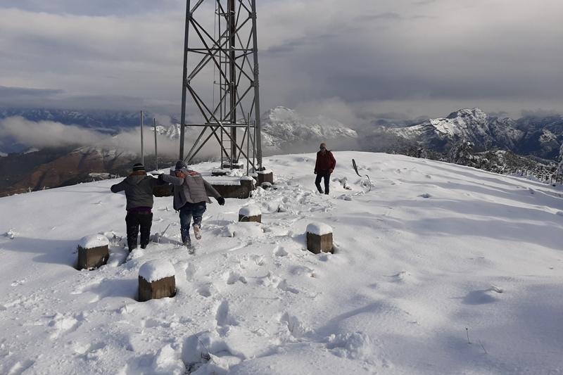 हिमपातका कारण अवरुद्ध भीमदत्त राजमार्ग खुल्यो