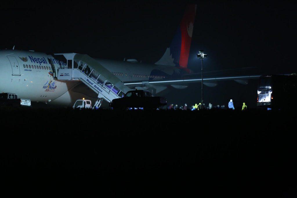 चीनबाट १७५ जना नेपाली बोकेर काठमाडौं आइपुग्यो विमान