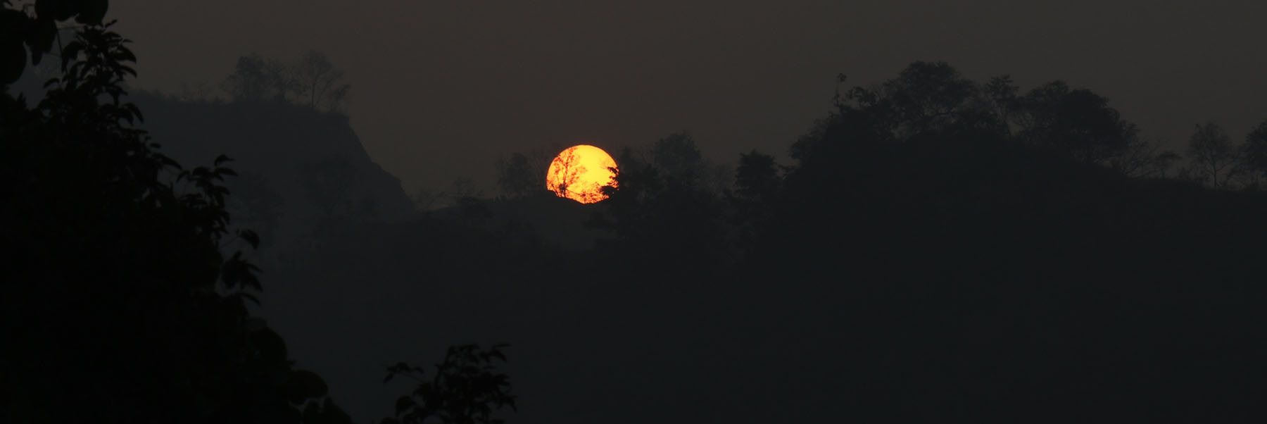 मुसिकोटबाट देखिएको सूर्योदय