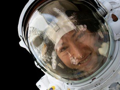 अमेरिकी महिला अन्तरिक्ष यात्री एक वर्षपछि पृथ्वीमा अवतरण