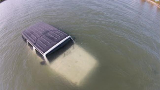कर्णाली नदीमा जीप खस्यो, चालकको मृत्यु