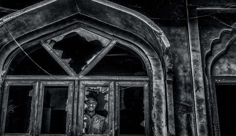 क्यामेराको लेन्सबाट दिल्लीको हिंसा, ती खास तस्वीर जसले मुटु हल्लाउँछन्