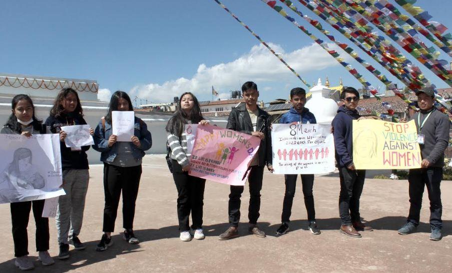 काठमाडौँको बौद्ध स्तूपमामा सञ्चार केन्द्रद्वारा शान्तिको कामना