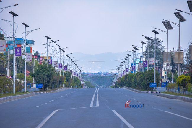 'लकडाउन'को चौंथो दिन : कोलाहल र हुलहुज्जतको प्रतिक्षामा काठमाडौंका सडकपेटी (फोटो फिचर)