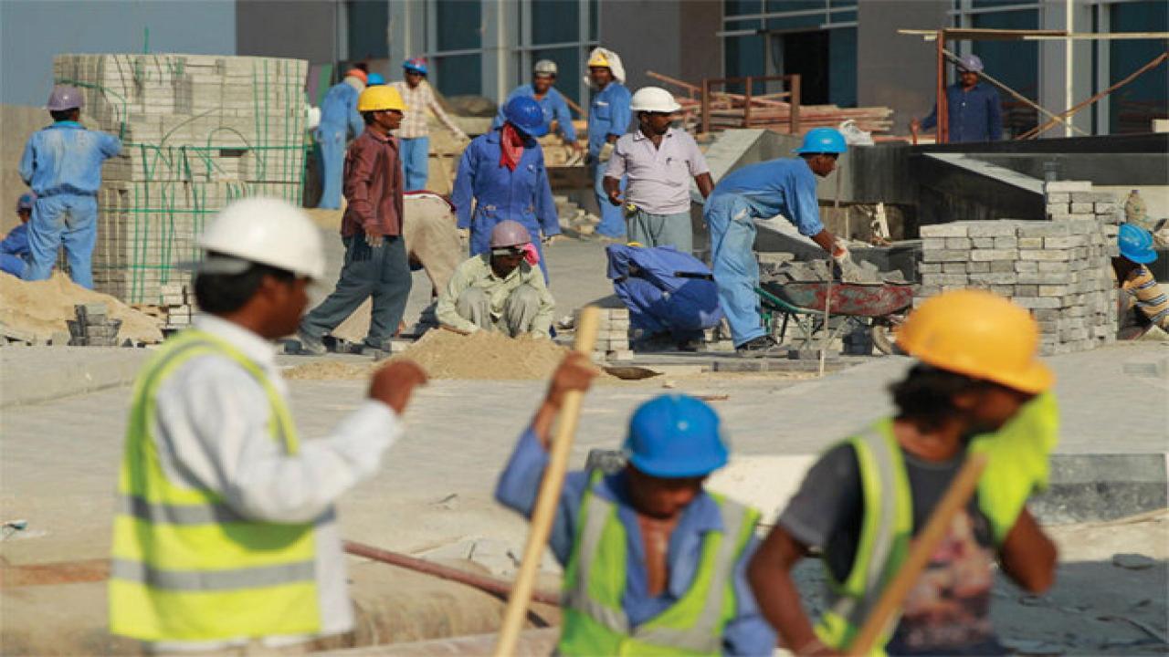 'कोराेनाभाइरस परीक्षणको बहाना गर्दै कतारले निकाल्यो आप्रवासी कामदार'