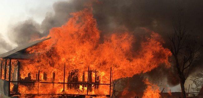 जुम्लामा लागेकाे आगाेले ३० घर जलायाे, अझै नियन्त्रण बाहिर