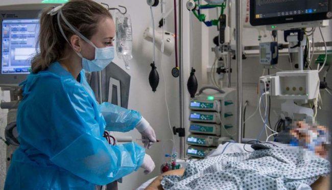 कोरोना महामारी: एकैदिन ३७१६ जनाको मृत्यु, १ लाख ६५ हजारबढीकाे उपचार सफल (तालिका)