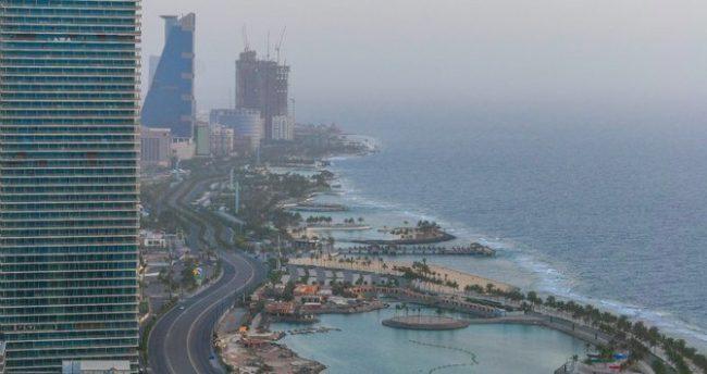 साउदीका निजी कम्पनीलाई कामदारको तलब र काम गर्ने समय कटौती गर्न स्वीकृति