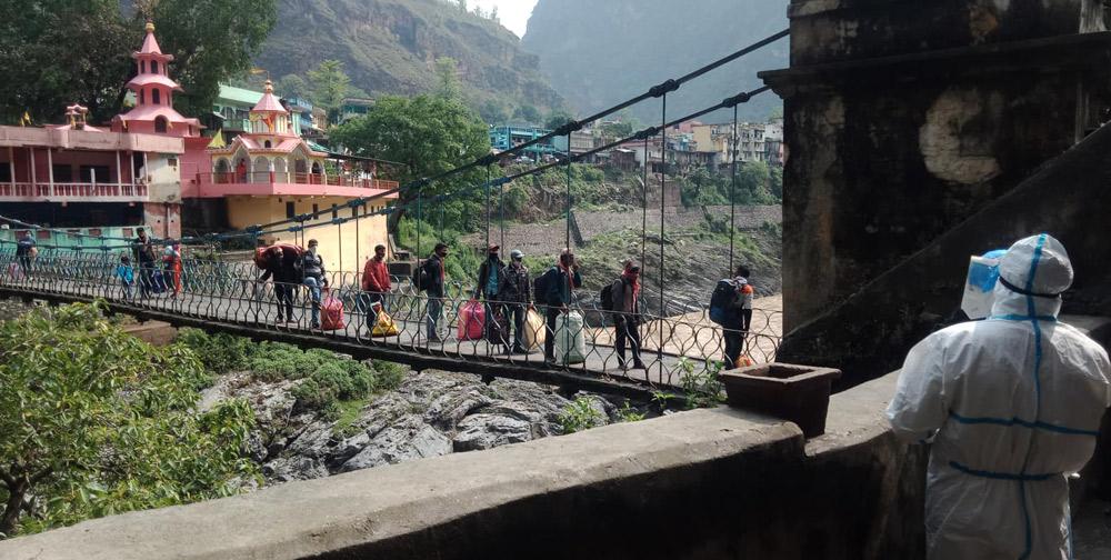 गत वैशाखदेखि झुलाघाट नाकाबाट पाँच हजार नेपाली स्वदेश फर्किए