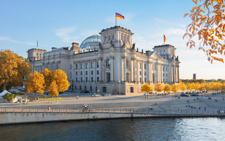 जर्मनीमा पाँच जनाभन्दा बढी जम्मा हुन नपाइने, एक महिनाभित्रै भ्याक्सिन प्रयोगमा !