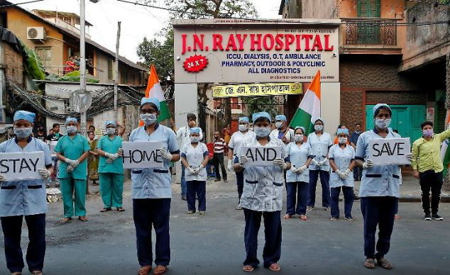 भारतमा एकै दिन थपिए ७०० कोरोना संक्रमित, ज्यान गुमाउनेको संख्या ११७ पुग्यो