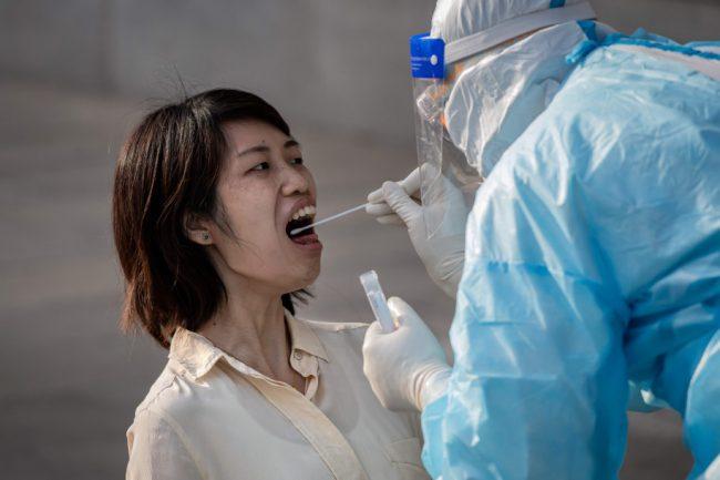 केवल ११ दिनपछि कोरोना संक्रमित बिरामी पोजेटिभ नै भएपनि अर्कोमा संक्रमण सर्दैन !