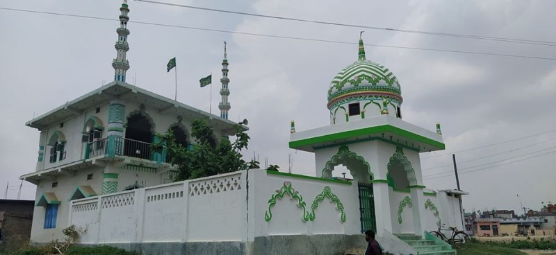 पहिलो पटक मस्जिद सुनसान