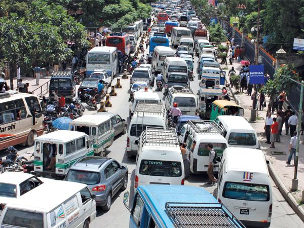सार्वजनिक यातायात संचालन गर्न सर्वसाधारणकाे माग