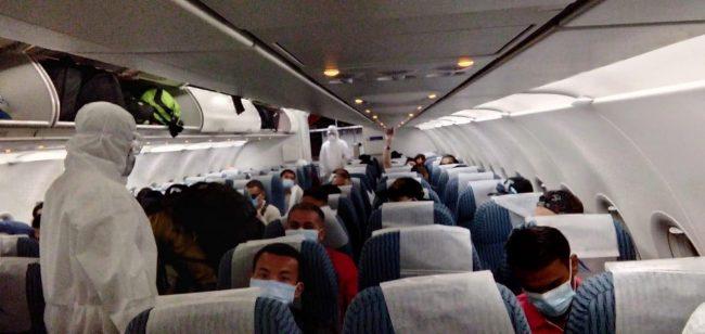साउदीबाट १५३ जना नेपाली नागरिक लिएर उड्यो हिमालय एयर