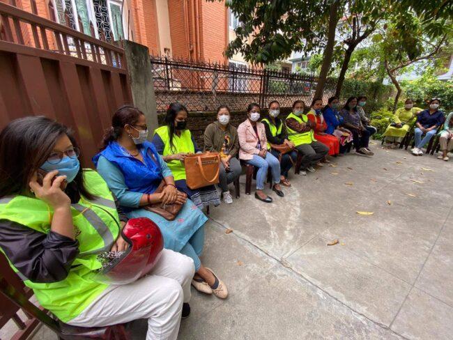 महिला पत्रकारलाई स्वास्थ सामाग्री बितरण
