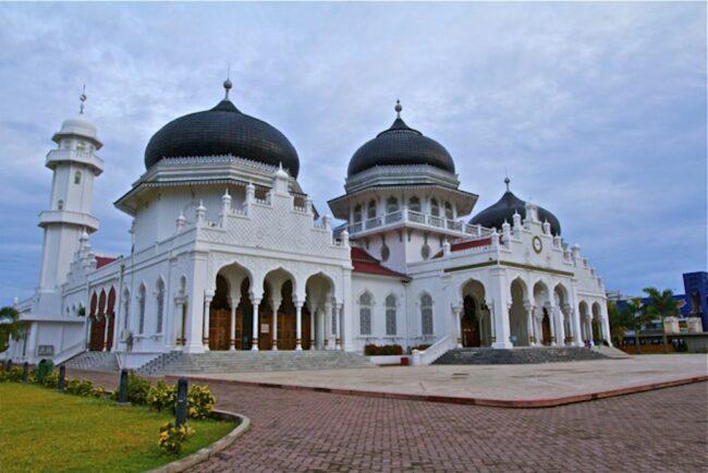 इन्डोनेसियाका मस्जिदहरुमा प्रार्थना गर्न छुट