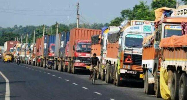 भारतले जाँचपास राेक्दा सीमापारि नै रोकिए मालवाहक गाडी