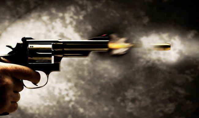 झापामा स्थानीय वासिन्दा र सुरक्षाकर्मीबीच झडप, गोली चल्दा तीन जना घाइते