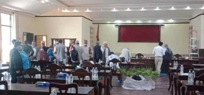 नेकपा विवाद : प्रधानमन्त्री ओलीसँग सहमितका लागि पहल गर्ने जिम्मेवारी प्रचण्डलाई