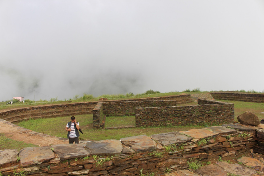 सिन्धुपाल्चोकको ऐतिहासिक दुगुनागढी बजेट अभावमा अधुरो