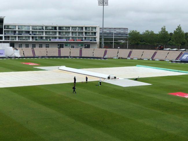 ईङल्यान्ड वेस्टईन्डिज टेस्ट : खराब मौसमको कारण टसमा ढिलाइ